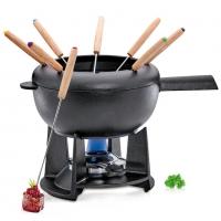 Spring Swiss Design: Saas Fe Set à fondue